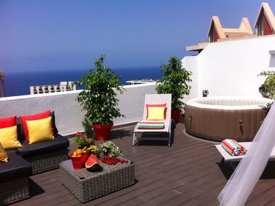 Photo for TOP FLOOR APARTMENT, amazing SUN SETS, sea view, bbq, very quiet and free wifi