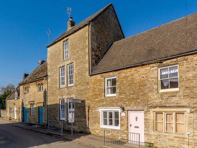 Photo for Perfect for holiday break Beautiful Four bedroom Cotswold House