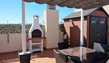 Outstanding apartment with Private roof garden fully equipped - Sleeps 6 (or 10)