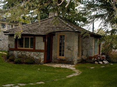 Historic Earl Young Home, A Stone's Throw From Town