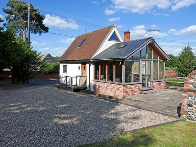 Photo for Charming 1 bedroom Granary conversion in the heart of Suffolk