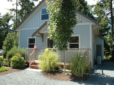 Photo for Luxurious Parksville Cottage