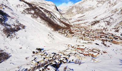 Photo for 4BR Apartment Vacation Rental in Val d'Isere