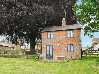 Photo for 1 bedroom property in All Northamptonshire. Pet friendly.