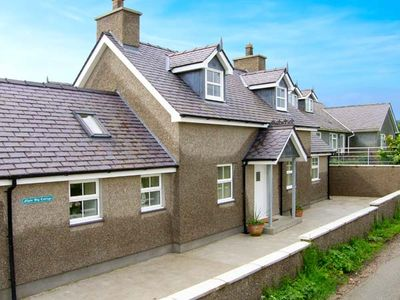 Photo for LLAIN BIG COTTAGE, pet friendly in Rhosneigr, Ref 905047