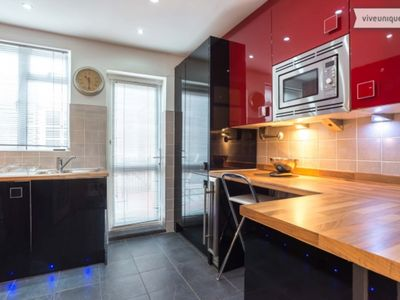 Photo for UP TO 20% OFF - A high-spec 4 bed family home in peaceful Wimbledon (Veeve)