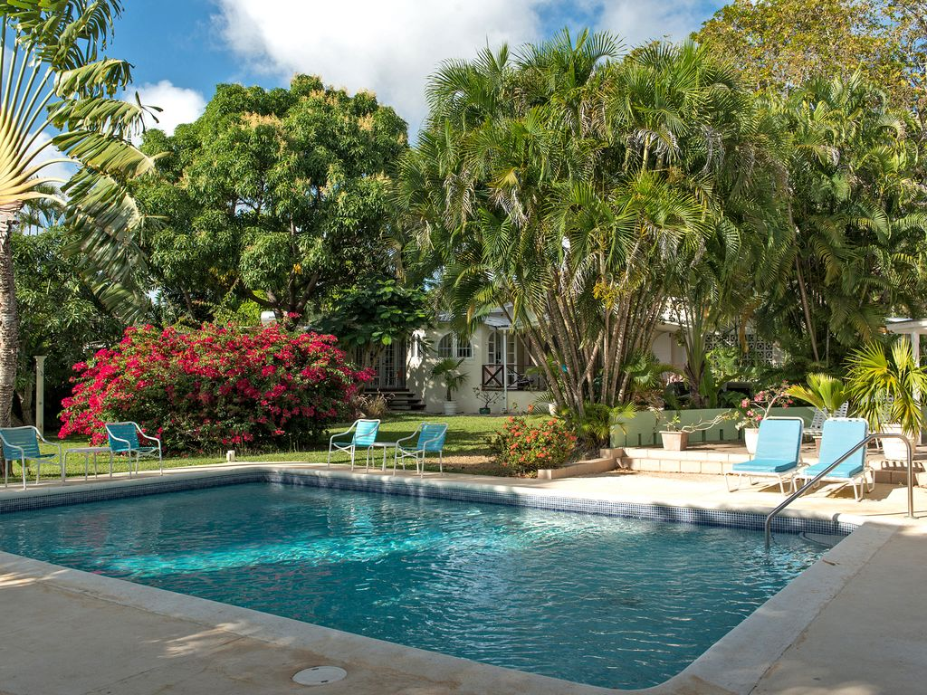 Mullins Bay House 3-7 bedrooms: Stylish family villa in 1 acre of ...