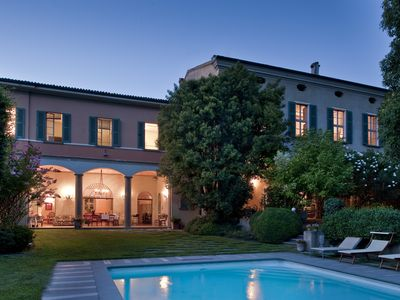Photo for Country villa in Franciacorta - 1000sqm with pool and garden. Lake Iseo