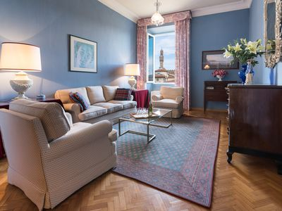 Photo for Perfect Oltrarno Luxury-Beautiful River Views-Wash/Dryer-AC-Concierge-Free WiFi