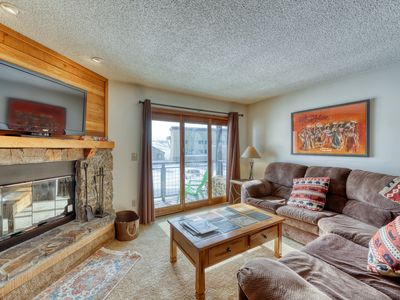 Photo for Multi-level condo w/mountain view balcony & shared hot tub - walk to lifts!