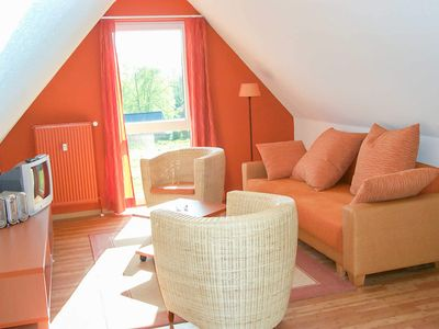 Photo for 3-room apartment up to 6 persons, approx. 49-65 m² WE F. 01 - Seepark Burhave / Reetdachhaus