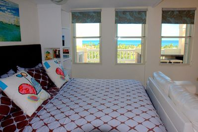 Ocean View and Kingsize bed