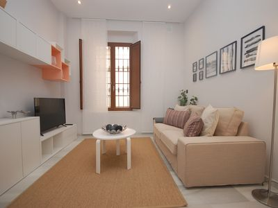 Photo for Apartment in the center of Seville with Internet, Air conditioning, Washing machine (756522)