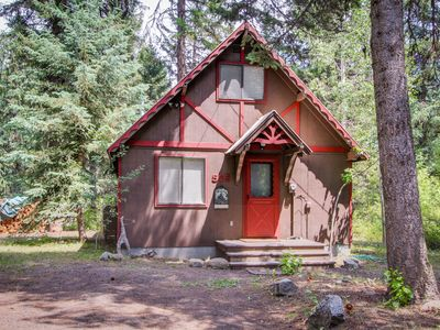 Photo for Charming riverfront cabin w/large deck near Payette Lake, dogs welcome!