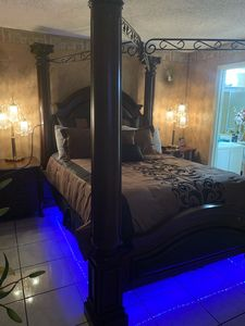 Photo for Private room - Queen size bed - Wifi and more