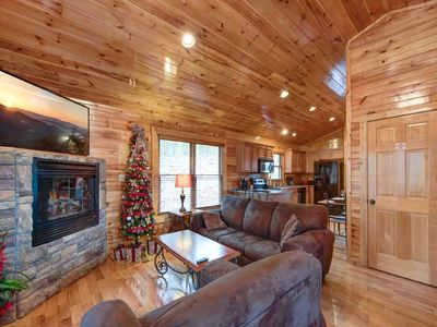 Photo for Jan. Special Cozy close to everything cabin. Close to Arts and Craft Community.