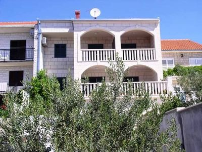 Photo for 1BR Apartment Vacation Rental in Bol, Dalmatien