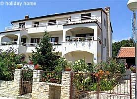 Photo for Holiday apartment with sea view, only 250 m from the Adriatic Sea