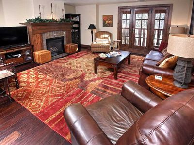 Highly Refined Condo in Avon w/ Pool, Hot Tub at the base of Beaver Creek!