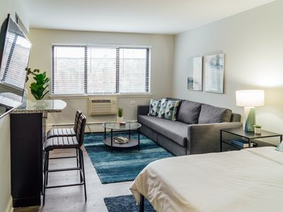 Photo for Beautiful Condo only 15 min Away to Watch Cubs   Netflix K5