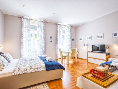Photo for Cosy room with private entrance in city center, free parking