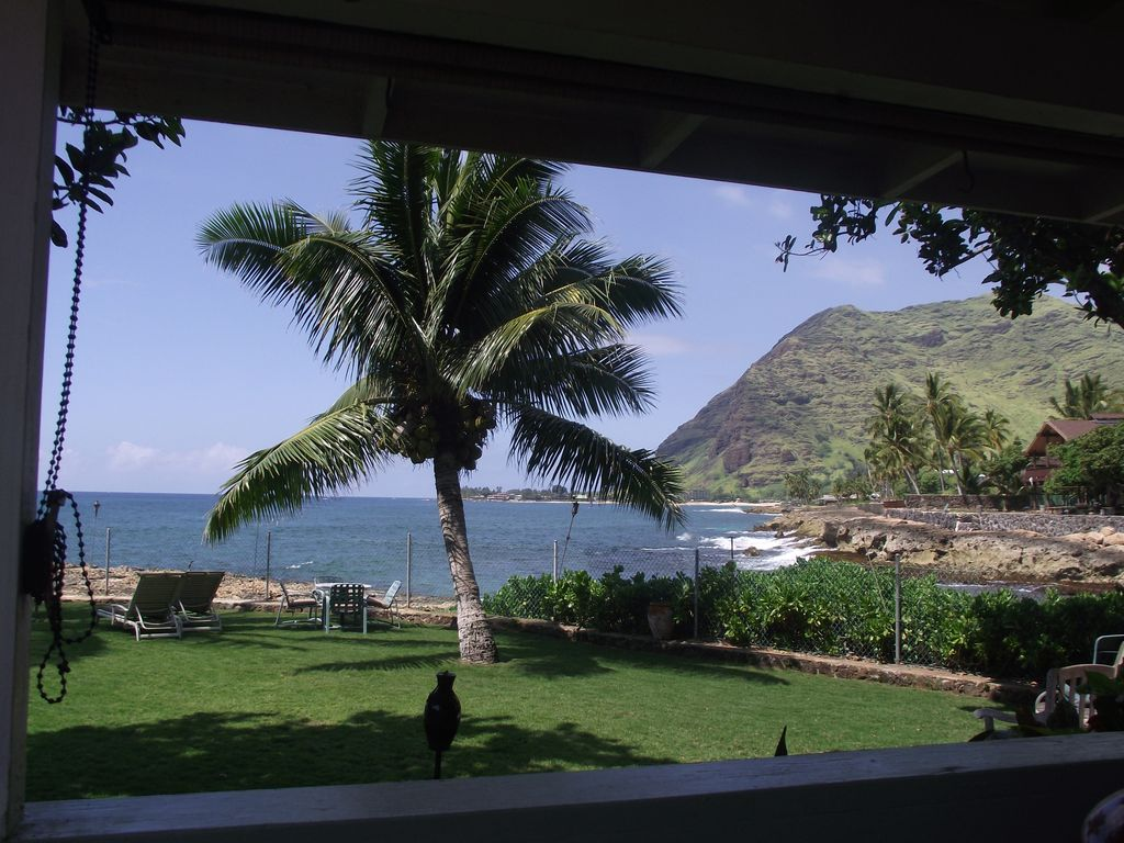 Makaha On The Beach Back In Time Direct Oceanfront