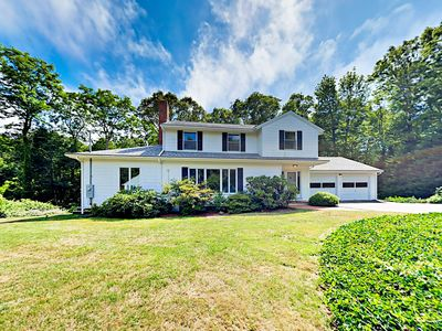 Tremendous Falmouth Family Getaway Woods Hole Home Interior And Landscaping Ymoonbapapsignezvosmurscom