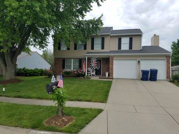 Nice home near large park in quiet neighborhood central location