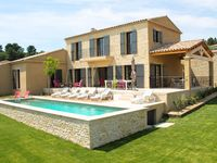 Beautiful property within 15 minutes walk of Vaison.