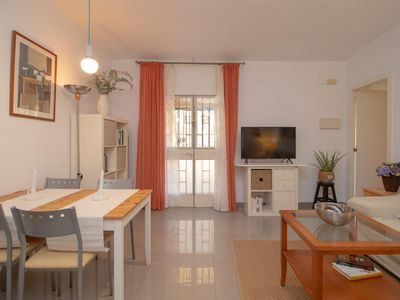 Photo for Seaside 2 Bedrooms by the Center (C52)