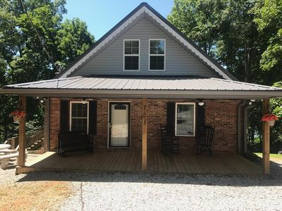 Peaceful Lake House with a beautiful lake view and access to Barren River Lake!