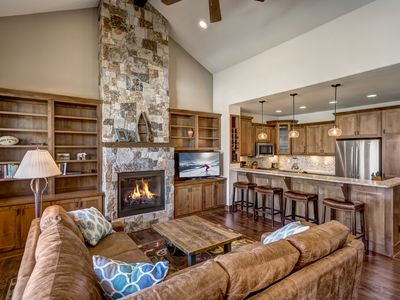 5 Minutes from Slopes! Brand-New Steamboat Springs Townhouse