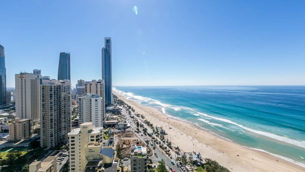 Surfers Stunning 2 Bed Ocean View