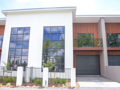 Photo for Newly built 3brm Townhouse on Beale Street walking distance of the CBD