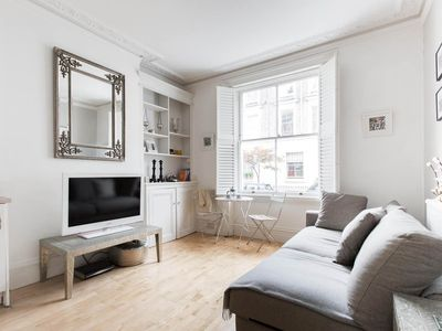 Photo for 1BR House Vacation Rental in Londres