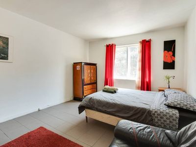 Photo for 1BR Apartment Vacation Rental in Montréal, Québec
