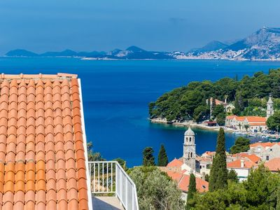 Photo for Apartment in the center of Cavtat with Air conditioning, Parking (502305)