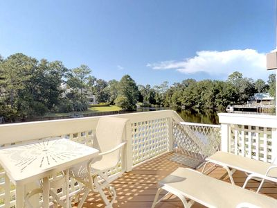 Photo for Dog-friendly townhouse w/complex swimming pool, shared hot tub, and beach access