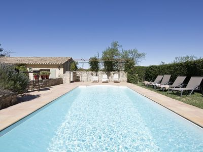Photo for 3 bedroom house with pool at the foot of the Alpilles, very quiet