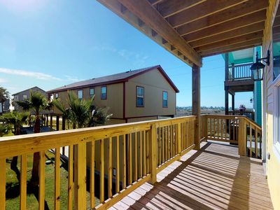 Photo for Dog-friendly getaway w/ a full kitchen, multiple balconies, & Gulf views