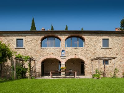 Photo for Charming villa surrounded by organic vineyards with private pool