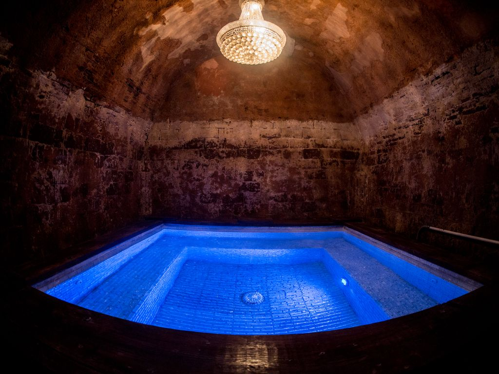 Old San Juan Mansion Pool House With Jacuzzi Grotto