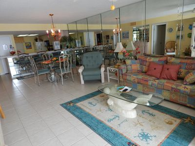 Photo for Welcome to Judy's jewel! Beachfront condo that sleeps 6