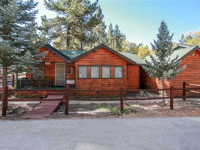 Photo for Pine Forest Cabin - WiFi! Netflix, and Cable TV! FREE 2 hour Bike/Kayak Rental!
