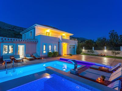 Photo for VILLA MILLA with private pool, jacuzzi, sauna, gym, max. 8 person