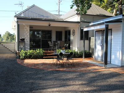 Photo for Hunter Valley Cottage - 15 minutes to Hunter Valley Gardens!