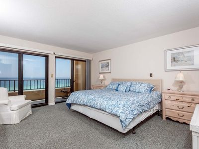 Photo for Surf Dweller 709: RIGHT ON BEACH! Amazing views.FREE BCH SVC+GOLF+SNORKELING
