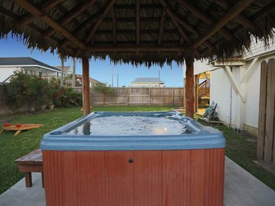 Have a hot tub for the weekend! Pet friendly, Tiki Bar, WiFi