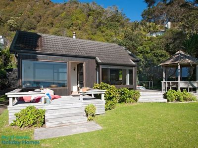 Photo for Absolute beachfront!  Great family holiday home.