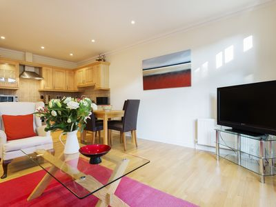 Photo for UP TO 20% OFF - Glorious mews house located in Picturesque Putney  (Veeve)